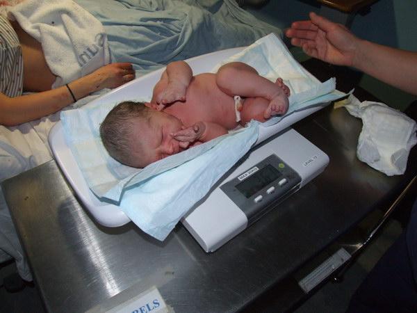 bábätko na váhe